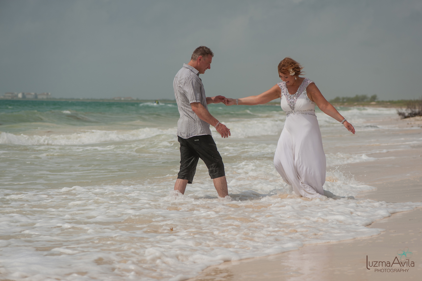 trash the dress photographers cancun