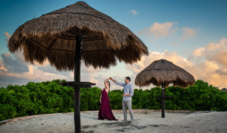 Kristin & Memo | Playa Delfines